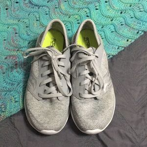 Saucony FORM2U memory foam shoes
